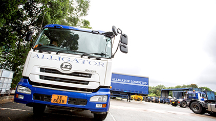 UD TRUCKS - Sailing the trade winds with Alligator Logistics